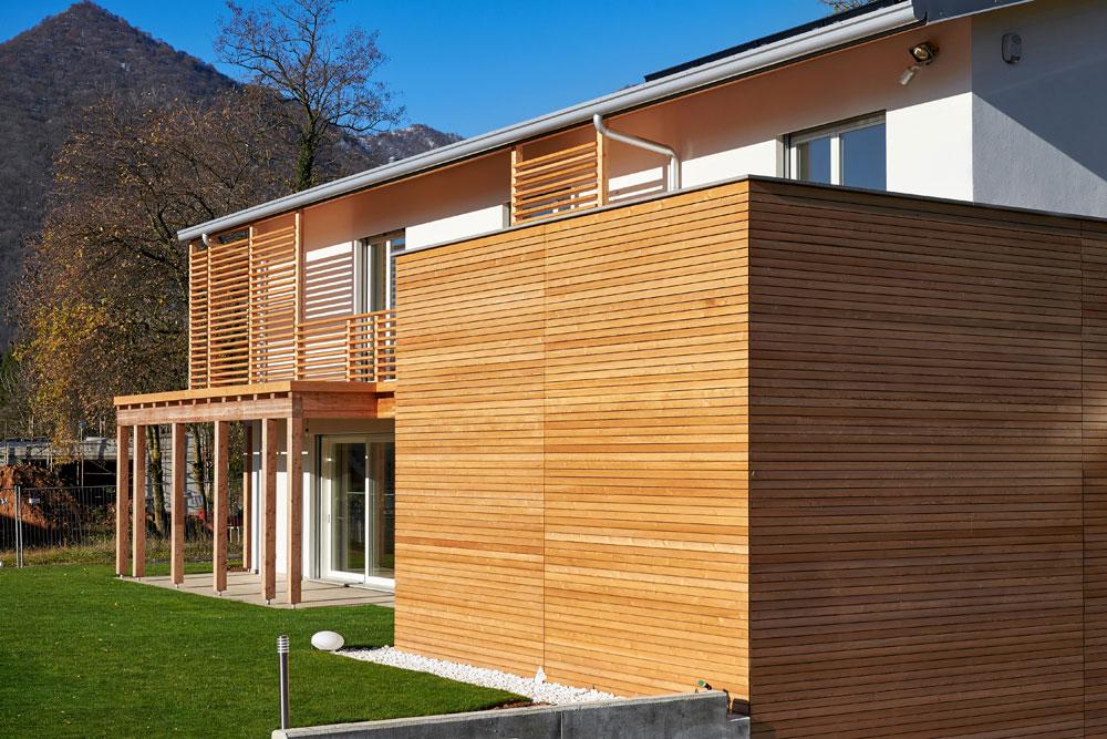 Casa in legno albino bg italia for Case in legno italia